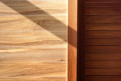 Holz-Strukturen mit Schatten