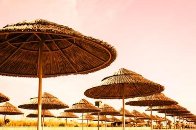 Sonnenschutz am Strand_sonnengelb