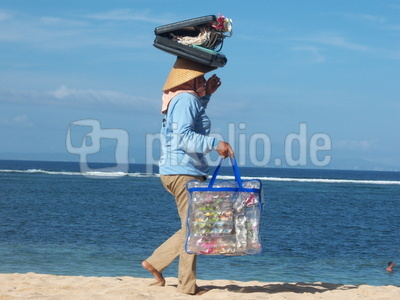 balinesische Strandverkäuferin