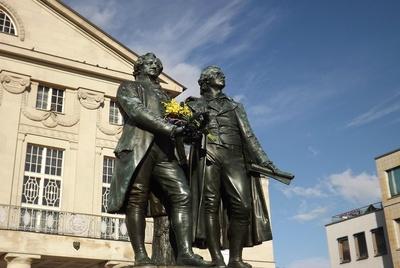 Das Goethe und Schiller Denkmal in Werimar