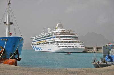 AIDA Vita - Kreuzfahrtschiff am Hafen