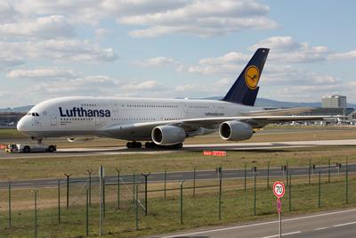 Lufthansa Airbus A 380 D-AIMB