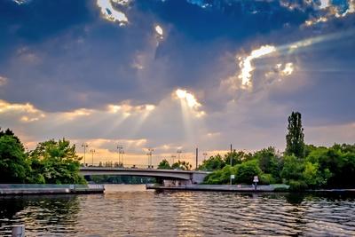 Bridge over not troubled water