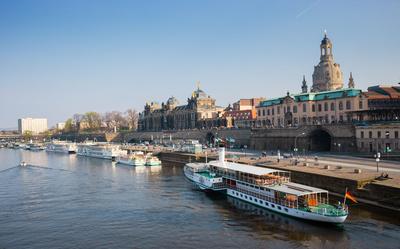 Dresden - Elbterrassen mit Altstadt