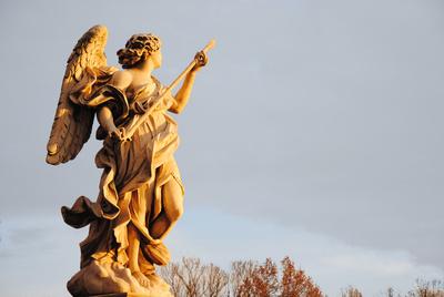 Engel im Abendlicht