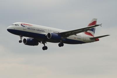 Airbus A320-232  - British Airways -  im Landeanflug