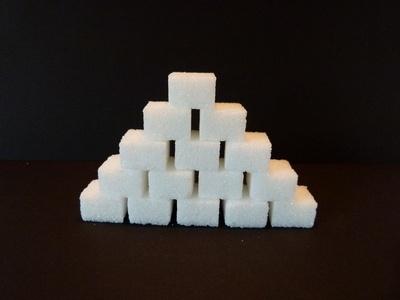 Zuckerwürfel Pyramide