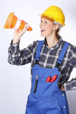 Handwerker mit Pylon