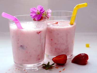 Erdbeer-Milch-Shake . . .