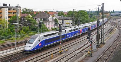 Neuer Doppelstock-TGV . . . .