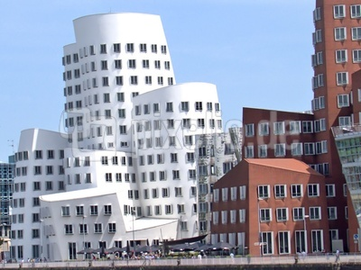 Gehry - Three Tower