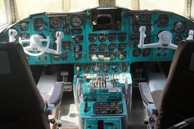 Iljuschin Il 62 Cockpit