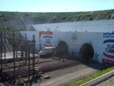 Eurostar fährt in Eurotunnel