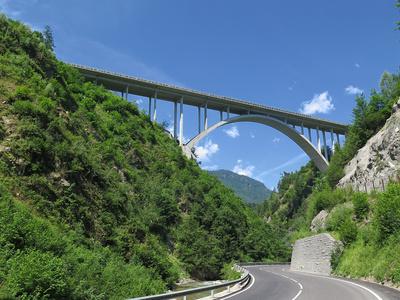 Österreich: Autobahnbrücke E55 im Tennengebirge