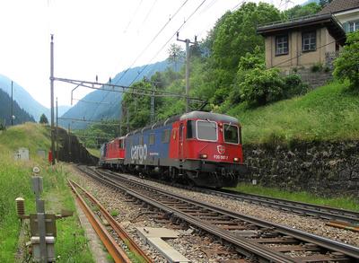 Doppelte Zugkraft für schweren Güterzug