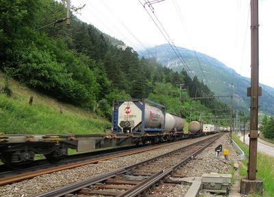Güterzug auf der Gotthardstrecke
