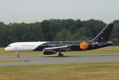 Titan Airways  - Boeing 757-256