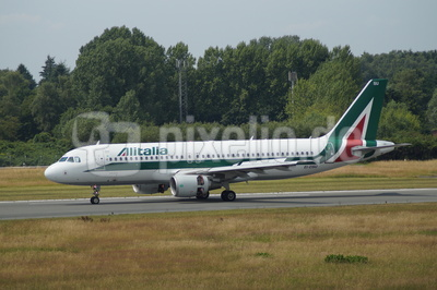 Alitalia -  Airbus A320-216