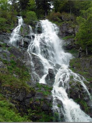 Spritziger Wasserfall
