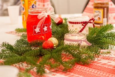 Weihnachtsdeko mit einem Tannenzweig!