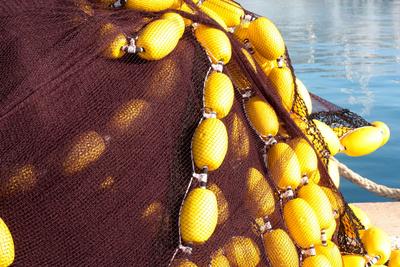 Fischernetz auf dem Pier