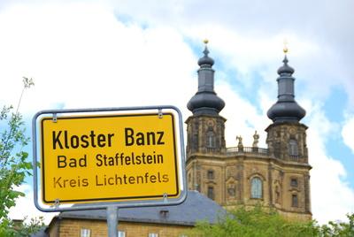 Kloster Banz - Ortsschild und Kloster