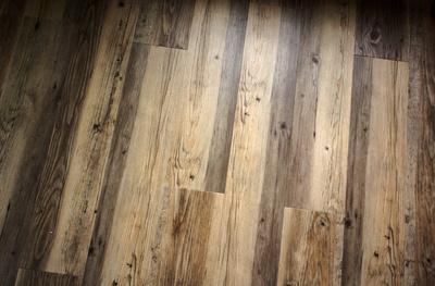 Holzfussboden mit Maserung