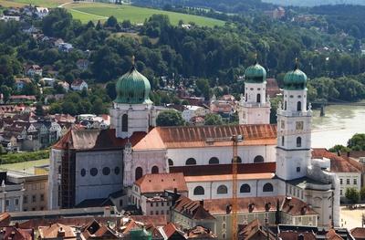 Hoch über dem Passauer Dom