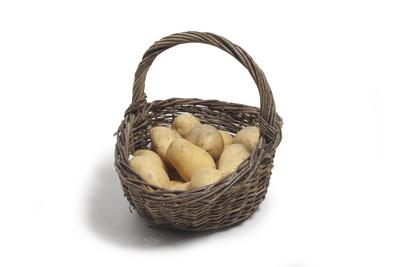Kartoffeln im Korb