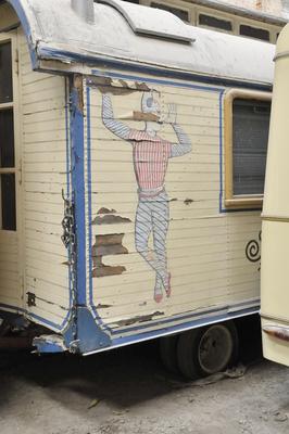 Alter Zirkuswagen
