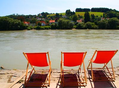 Bitte Platz nehmen und entspannen 03