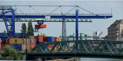 ContainerVerladeStation
