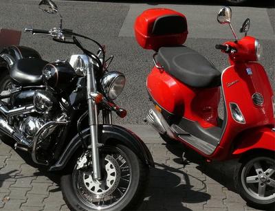 Motorroller / -rad