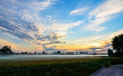 Wolkenspiele beim Morgengrauen