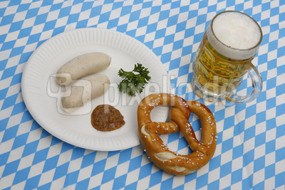 kostenloses foto wei w rste brezel und bier zum oktoberfest. Black Bedroom Furniture Sets. Home Design Ideas