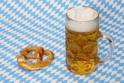 Bier und Brezel zum Oktoberfest