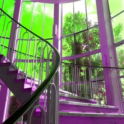 Farbfantasie im Treppenhaus