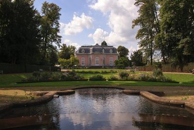 Schloss Benrath Seitenansicht