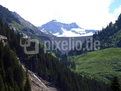 Staumauer in der Bergen
