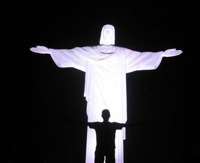 Christus-Statue Cristo Redentor am Abend