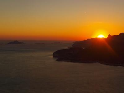 Calanque im Sonnenuntergang