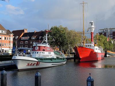 Seenotrettungskreuzer & Feuerschiff