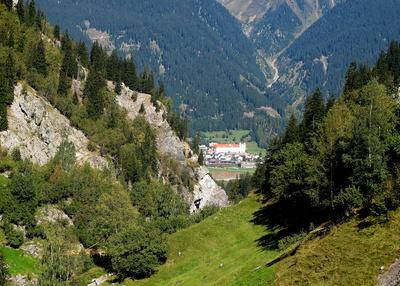 Kloster Disentis vom Val Medel aus