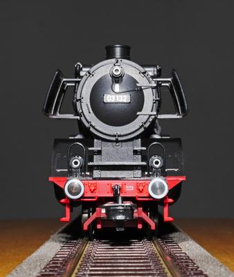 Der Zug kommt , . . . .