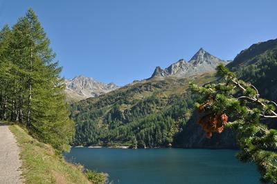 Herbstwanderung um den Lago di Luzzone