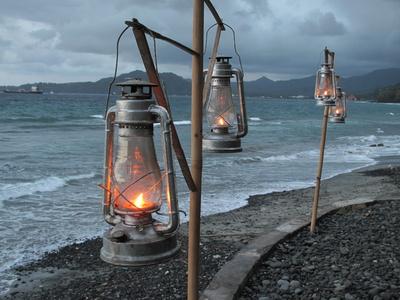 4 Lampen am Meer