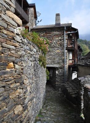 Natursteine statt Beton
