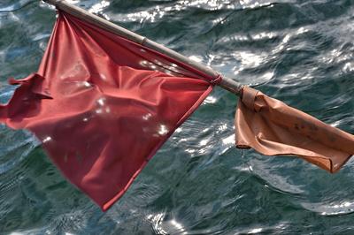 Die Fahne eines Fischerbootes