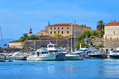 Hafen von Ajaccio