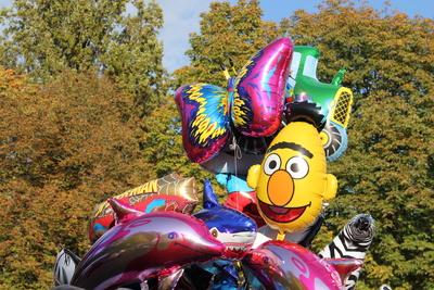 Kirmes-Ballons auf der Herbstkirmes
